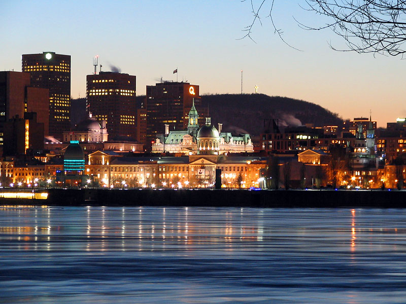 down_town_old_montreal_night.jpg