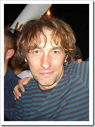 220px-yann-tiersen-april-2-2007-thumb.jpg
